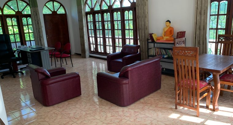 UP STAIR HOUSE FOR RENT IN PITA KOTTE